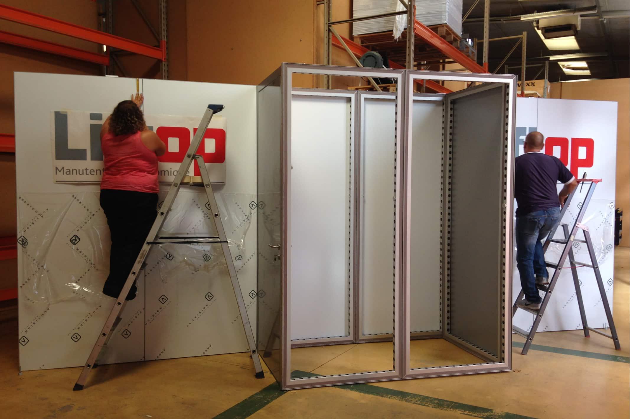 Bicub est présent lors de l'installation de votre stand afin de s'assurer de sa conformité.