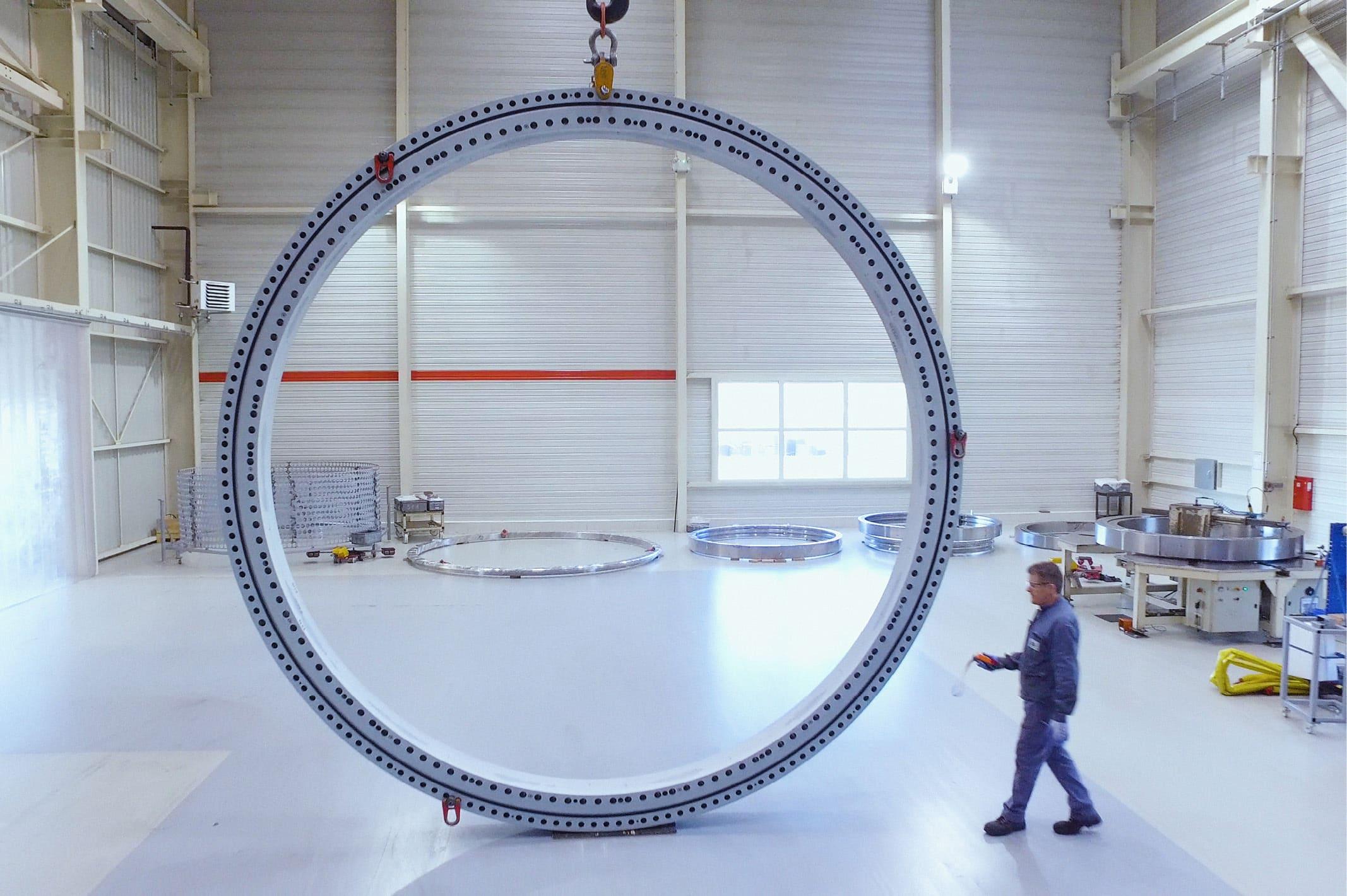 Rollix est expert en conception de couronnes d'orientation allant de 10 centimètres à 6 mètres de diamètre.