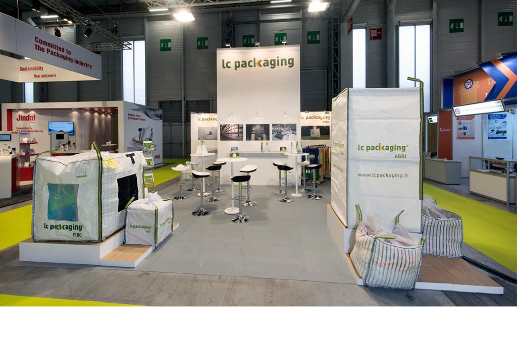 Conception, réalisation et installation du stand lumineux de 50 m2 LC Packaging.
